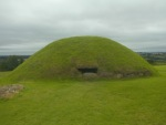 Knowth-passage-tomb