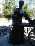 Molly-Malone-Statue-Tart-With-The-Cart