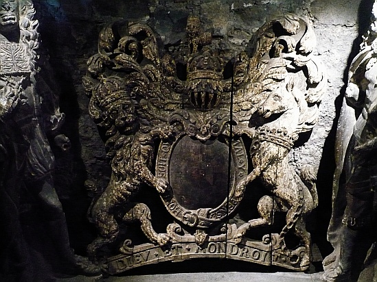 Stone coat of arms - Public Domain Photograph